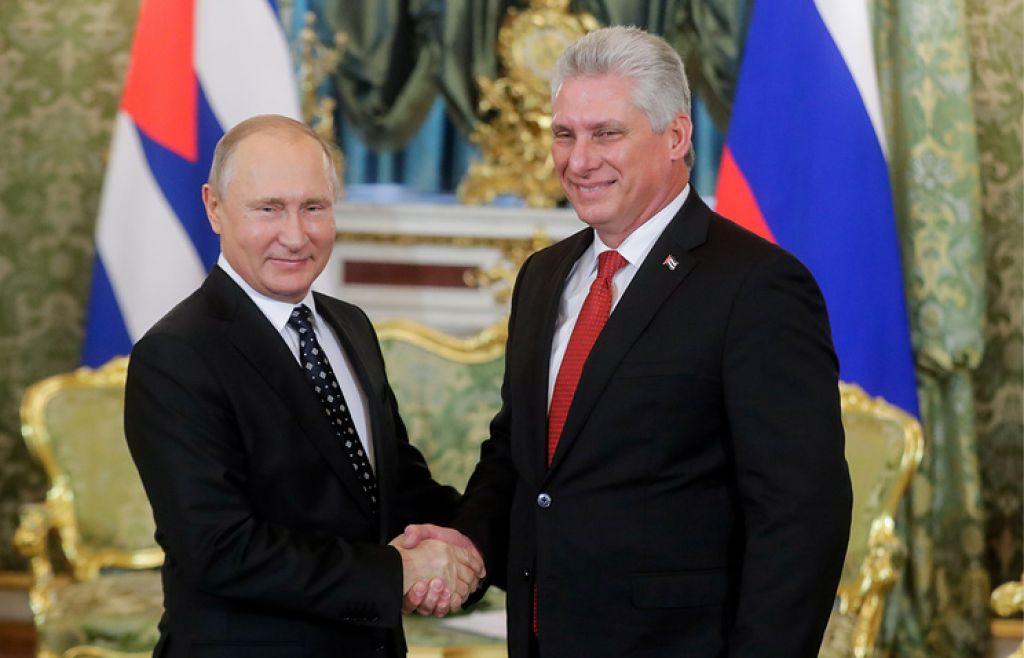 Putin acepta invitación para visitar Cuba - Papers Noticias